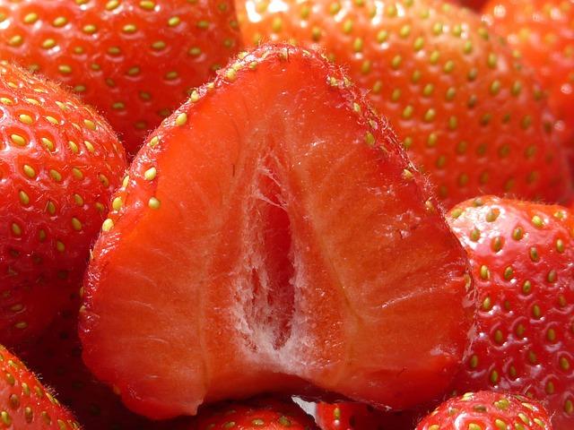 červené jahody