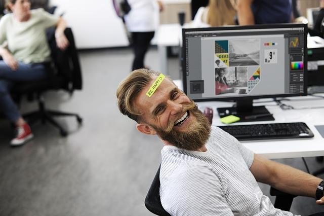 veselo v kanceláři