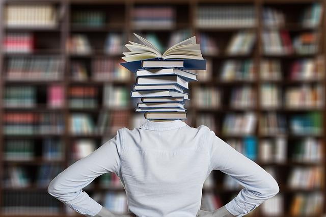 učebnice na krku