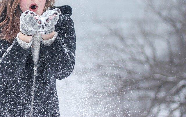 foukání do sněhu